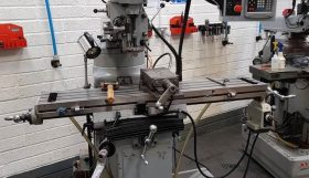 XYZ 2000 Manual Turret Mill